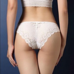 Accessories - ✨Lace Cheeky Panty✨